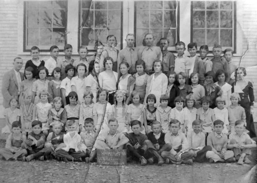 Willow Springs School 1932-33